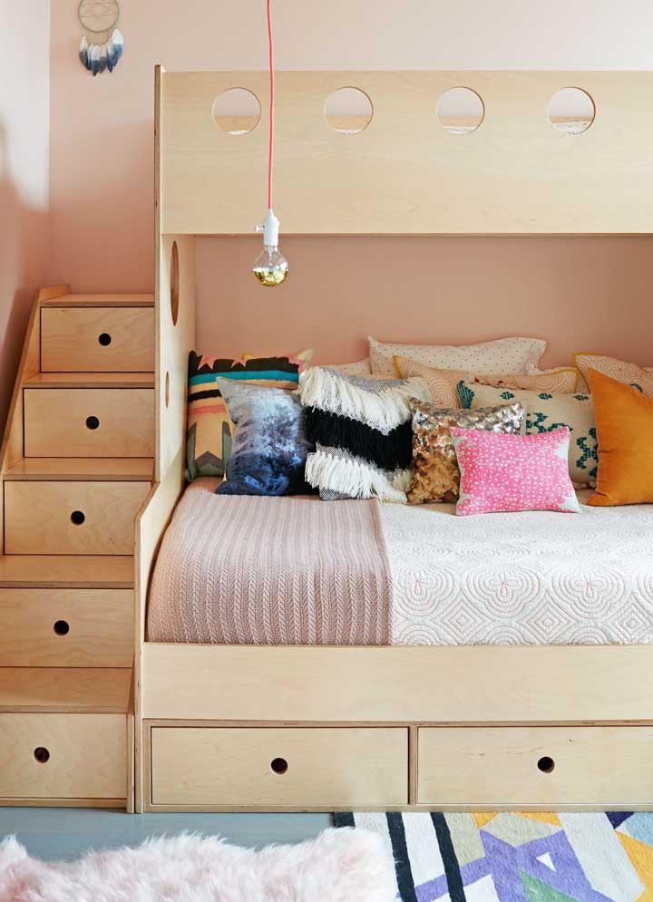 Móveis multifuncionais são ideais para espaços pequenos que precisam ser otimizados; um diferencial em casas planejadas