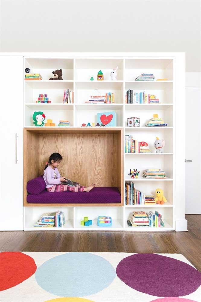Que espaço lindo! O quarto dos pequenos ficou ainda mais lúdico com a inclusão do nicho planejado formando um cantinho todo especial