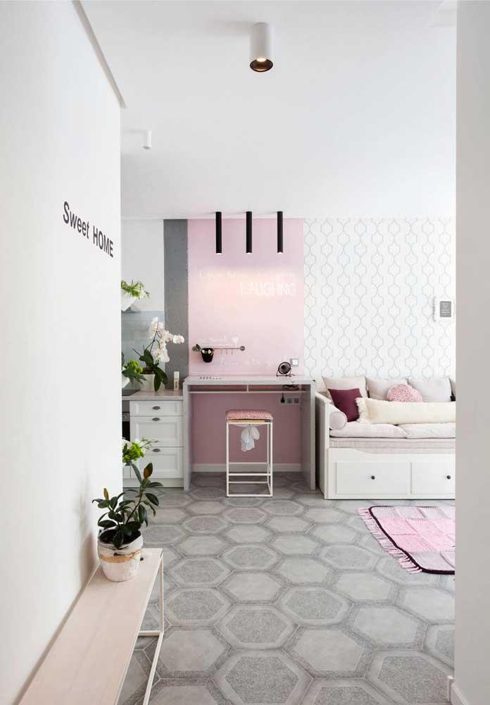 Casa planejada com ambiente integrado, paredes cleans e móveis funcionais