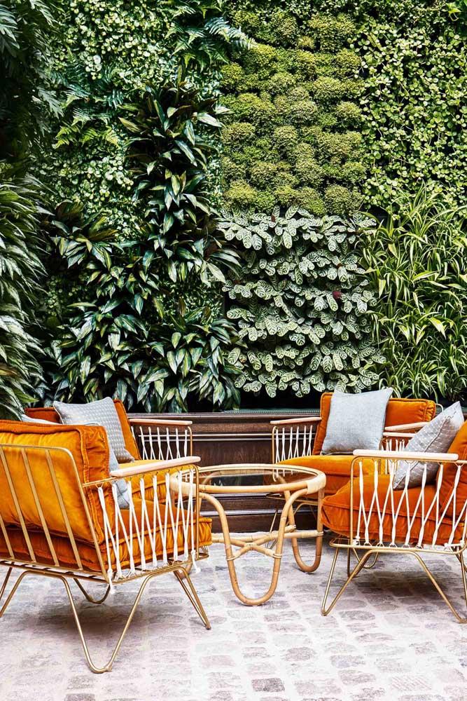 Uma inspiração de cerca viva rica em diferentes espécies de plantas