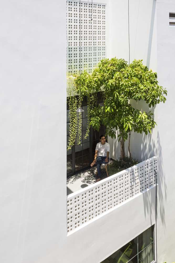 Cobogós trazendo charme à varanda do apartamento
