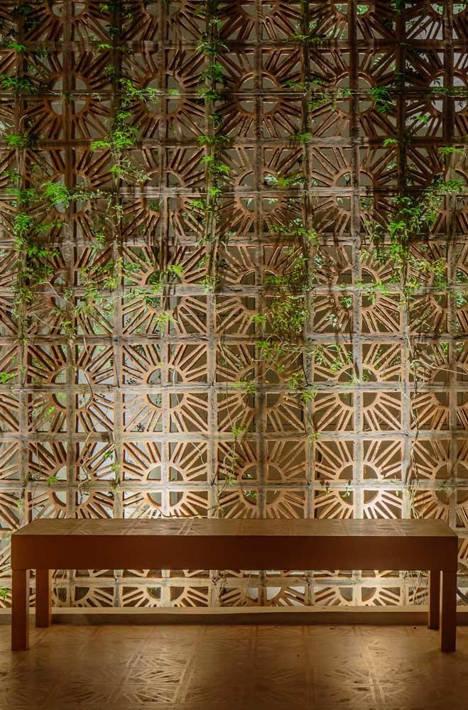 Proposta rústica com cobogós: para isso basta apostar nos modelos feitos com cerâmica crua; para completar, use plantas