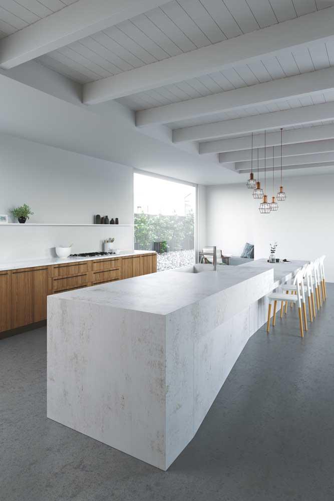 Invista em um balcão amplo e continuo para a cozinha gourmet