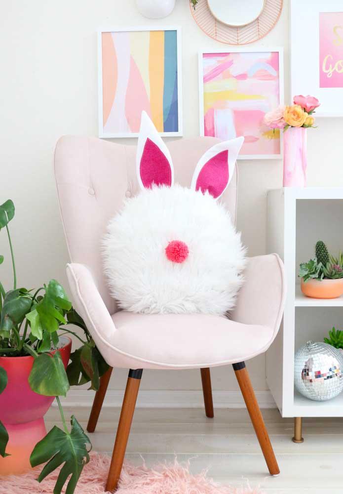 Olha que fofura essa almofada no formato da carinha de um coelho. Fica perfeita na decoração de Páscoa.