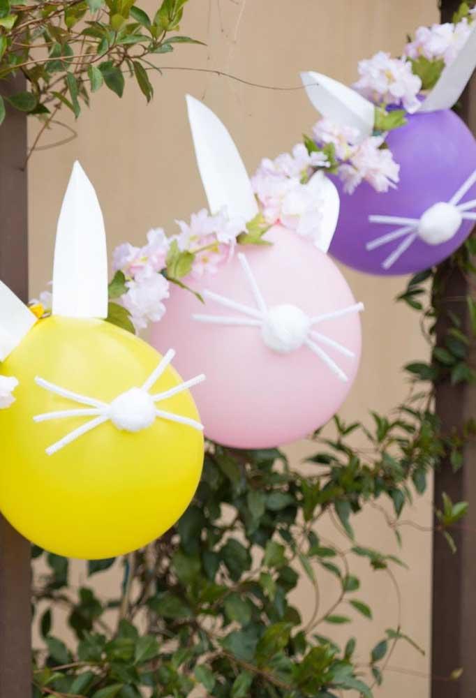 Como é o caso desses balões decorados no formato do coelho da Páscoa.
