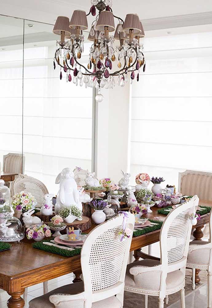 Na Páscoa prepare uma mesa fina e sofisticada apenas usando os principais símbolos da celebração.