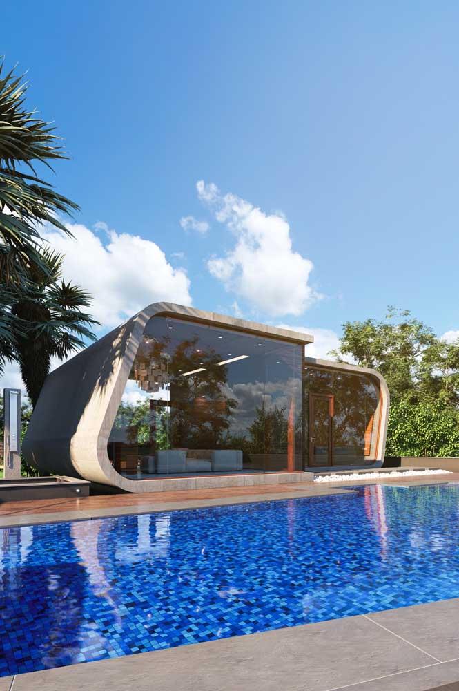 Modelo contemporâneo e criativo de edícula com piscina