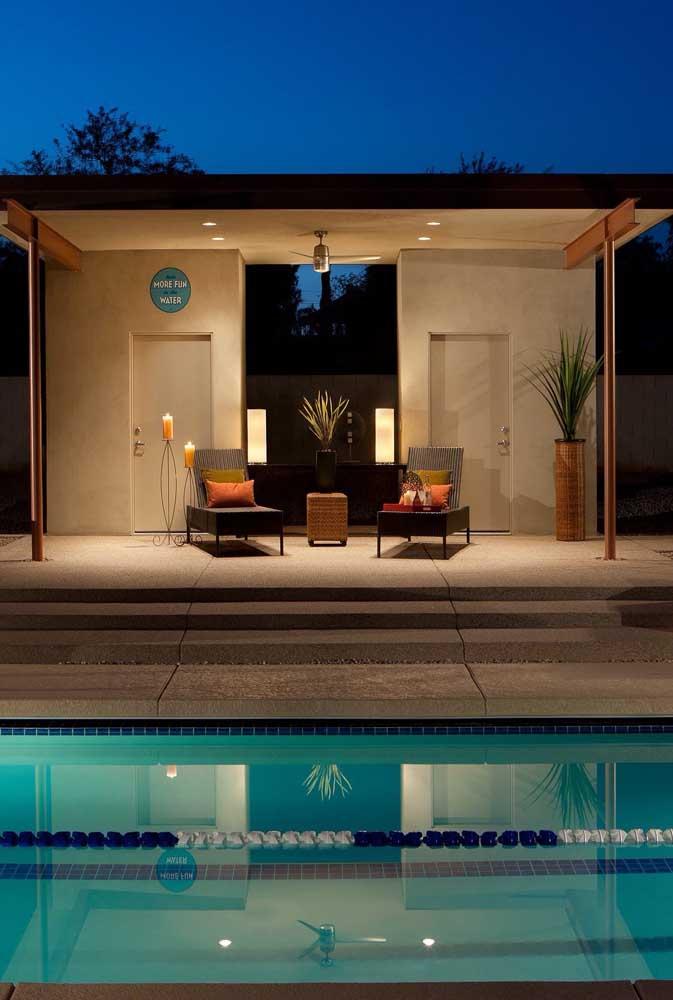 A iluminação do local é imprescindível para fazer da edícula de lazer um ambiente convidativo e aconchegante