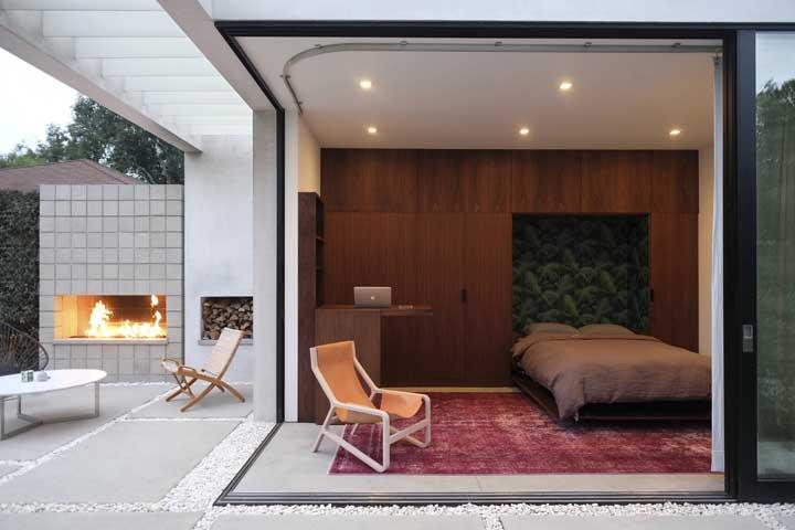 Edícula moderna com churrasqueira e quarto