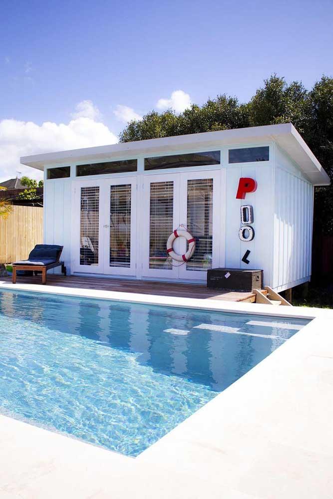 Edícula com piscina, ideal para receber amigos ou dar aquela festa na piscina sem alterar a rotina e organização da casa principal