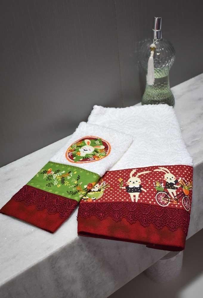 Que tal pedir para bordar as toalhas com símbolos da páscoa?