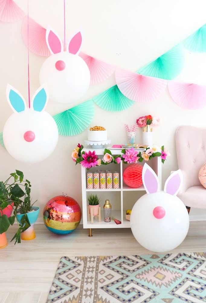 Olha o que você pode fazer com balões na decoração de páscoa.