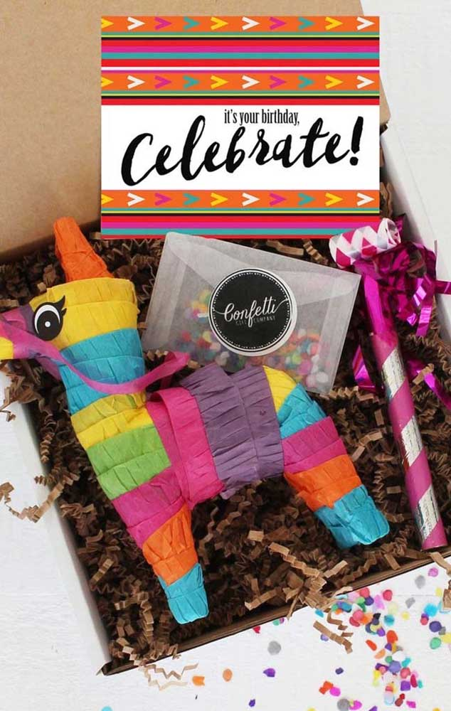 Vamos celebrar, mesmo que seja na caixa!