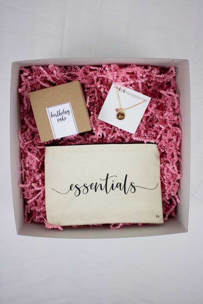 Uma festa na caixa com aquilo que é essencial
