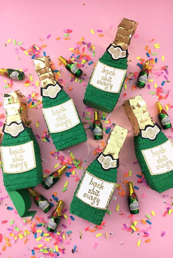 Que tal uma festa dentro da garrafa? Ideia diferente e criativa