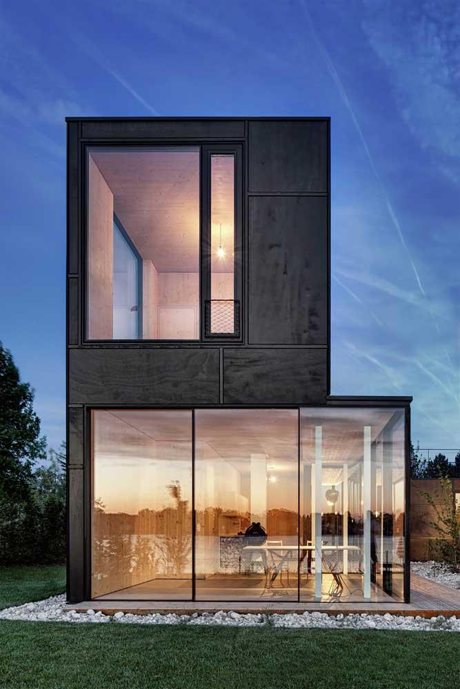 Casa de vidro: um projeto lindo, mas que pode comprometer a privacidade dependendo do local onde for construída.
