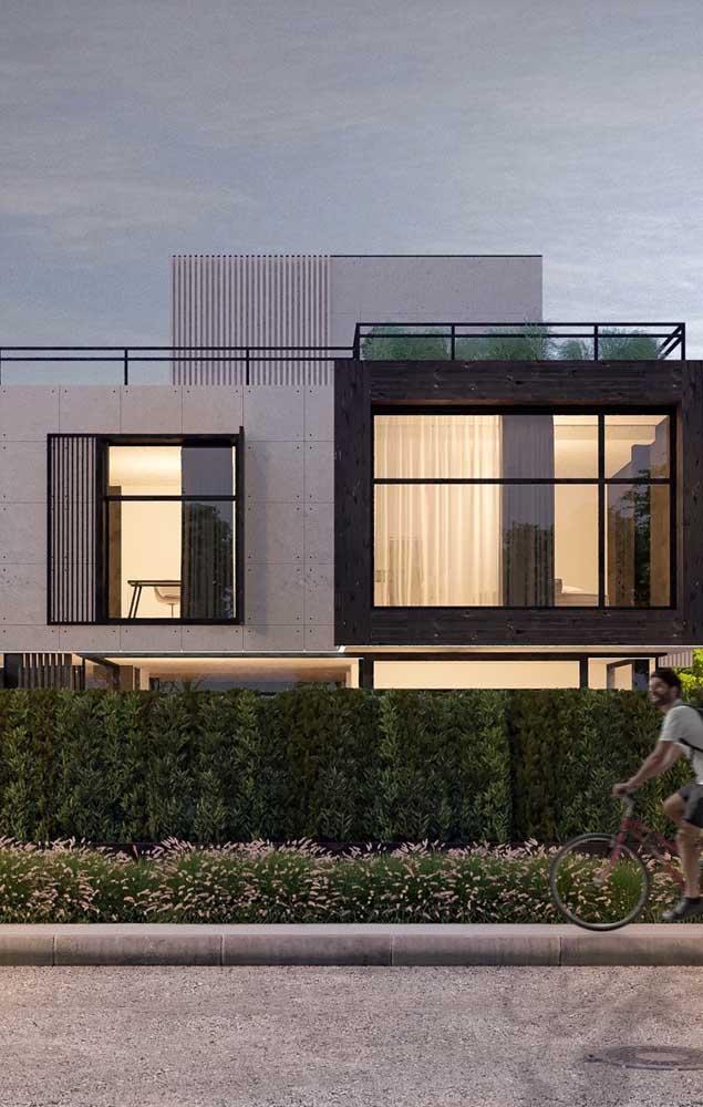 O muro verde é uma opção barata e linda, capaz de valorizar imensamente a frente de uma casa