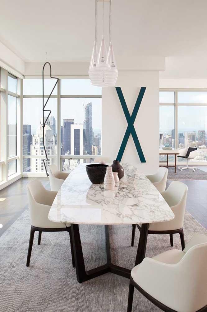 Mesa de jantar clássica em granito branco
