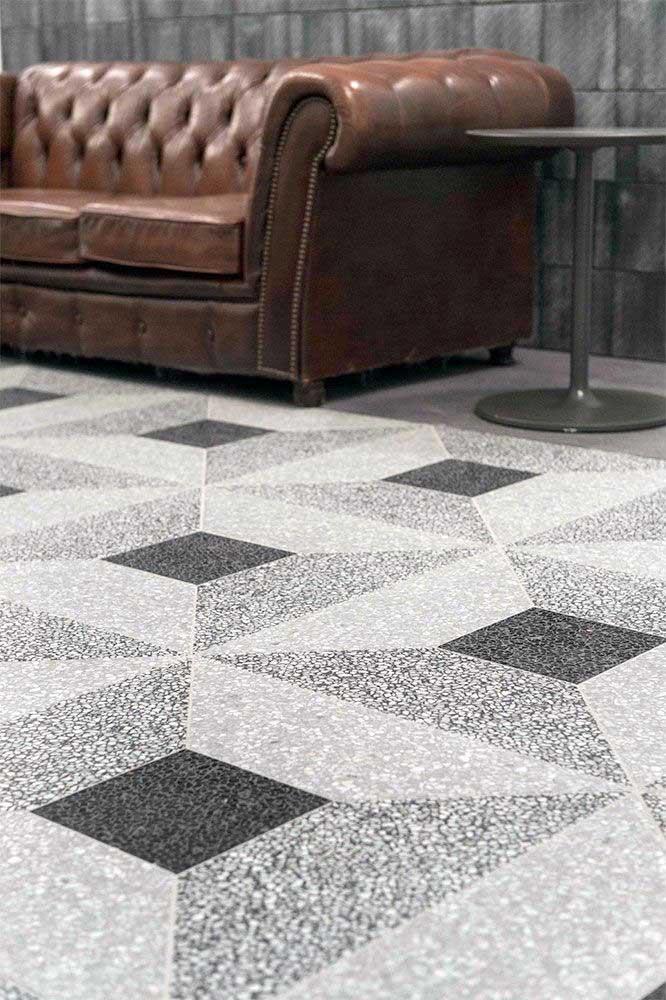 O granito branco é uma ótima opção para revestimento de pisos, seja qual for o estilo do ambiente