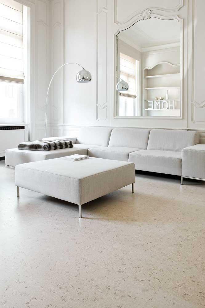 Sala de estar com piso em granito branco