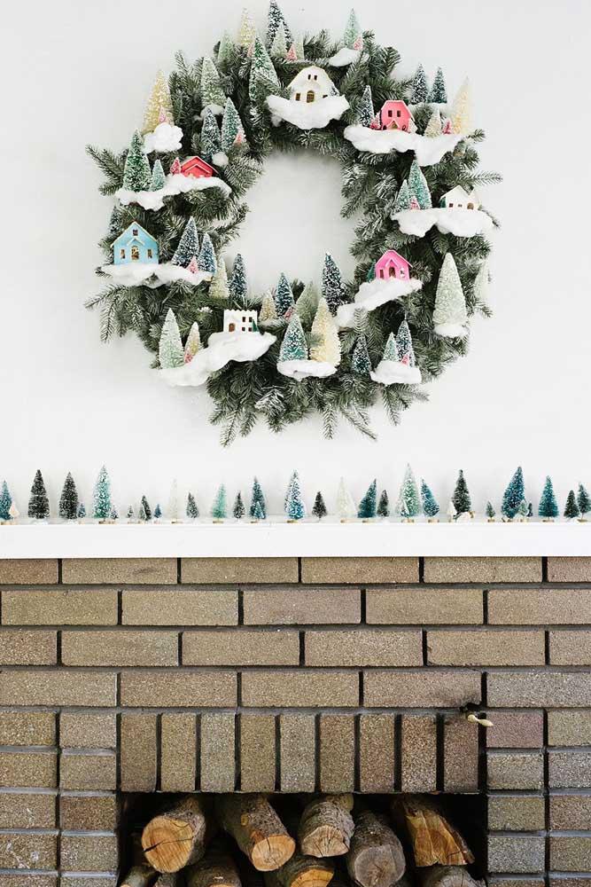 Guirlanda de natal para a área da lareira; aqui, a referência foi a neve