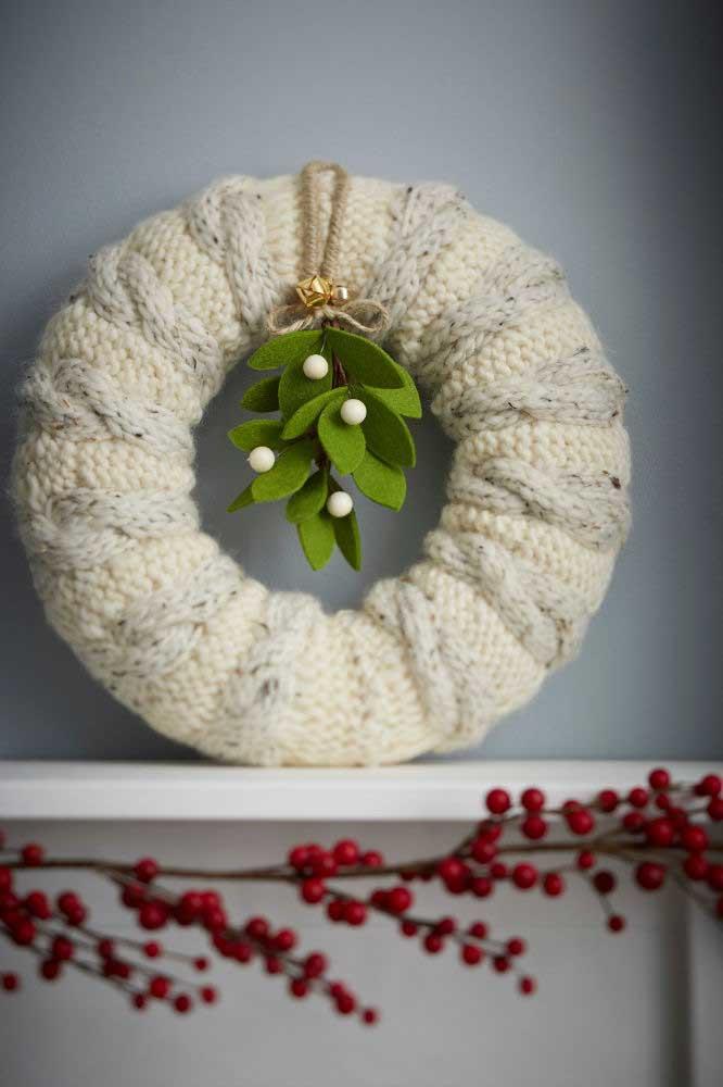Guirlanda de natal feita de crochê em um modelo bem diferente