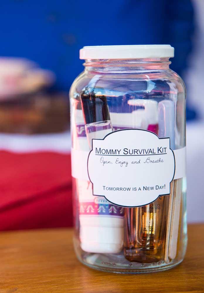 Que tal preparar um kit de sobrevivência diferenciado para entregar como lembrança dia das mães?