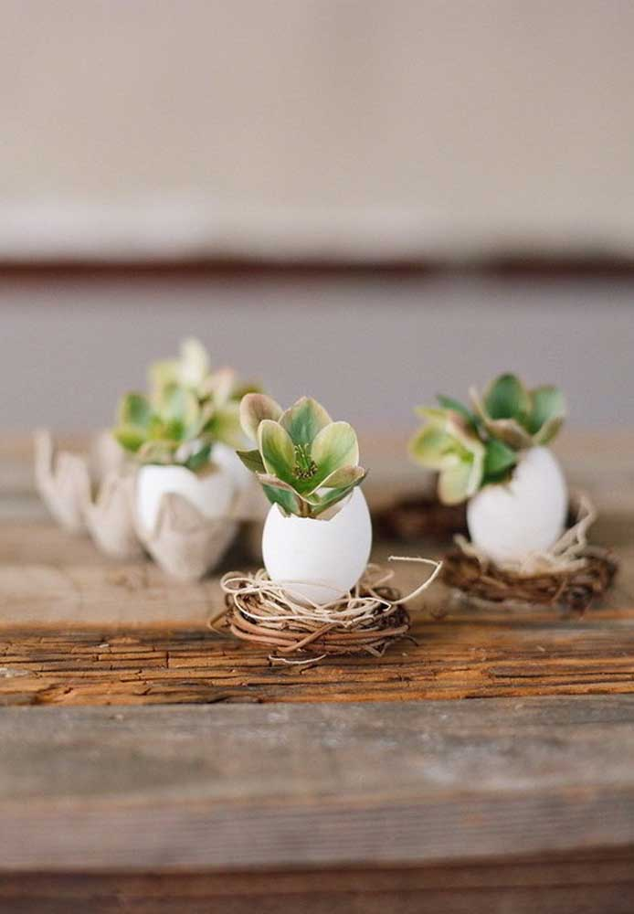 Olha a originalidade na hora de preparar uma lembrança singela para os convidados.