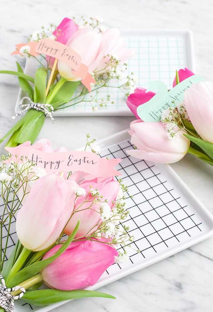 Quer fazer lembrancinhas de Páscoa para igreja? O que acha de preparar um pequeno buquê de flores?