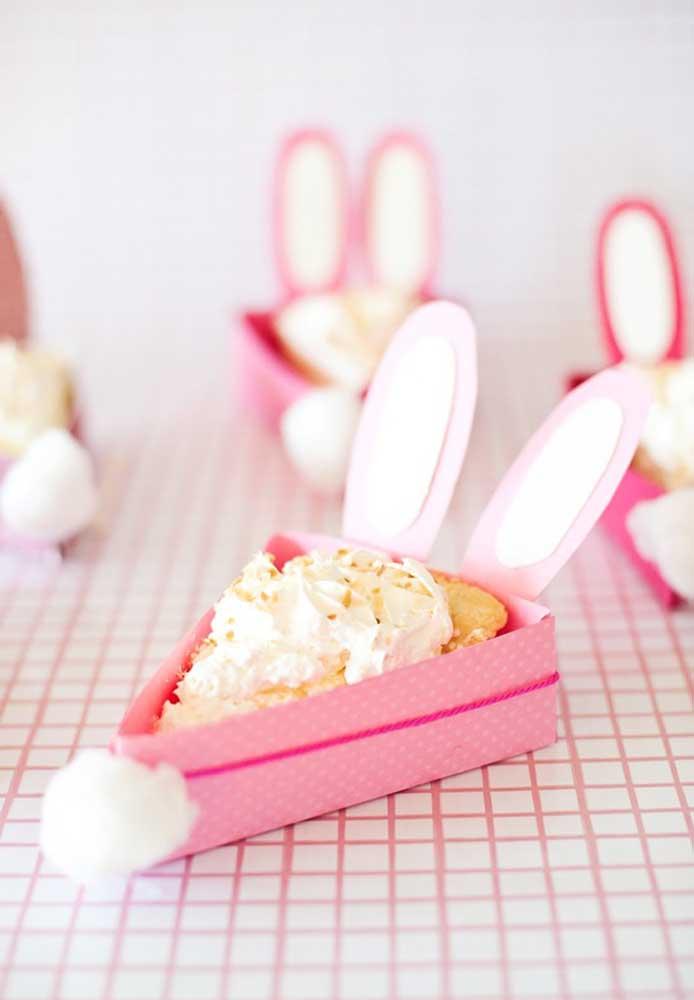 Na Páscoa o que as pessoas mais querem é comer doce. Então, melhor opção do que um bolo como lembrancinha, não há.