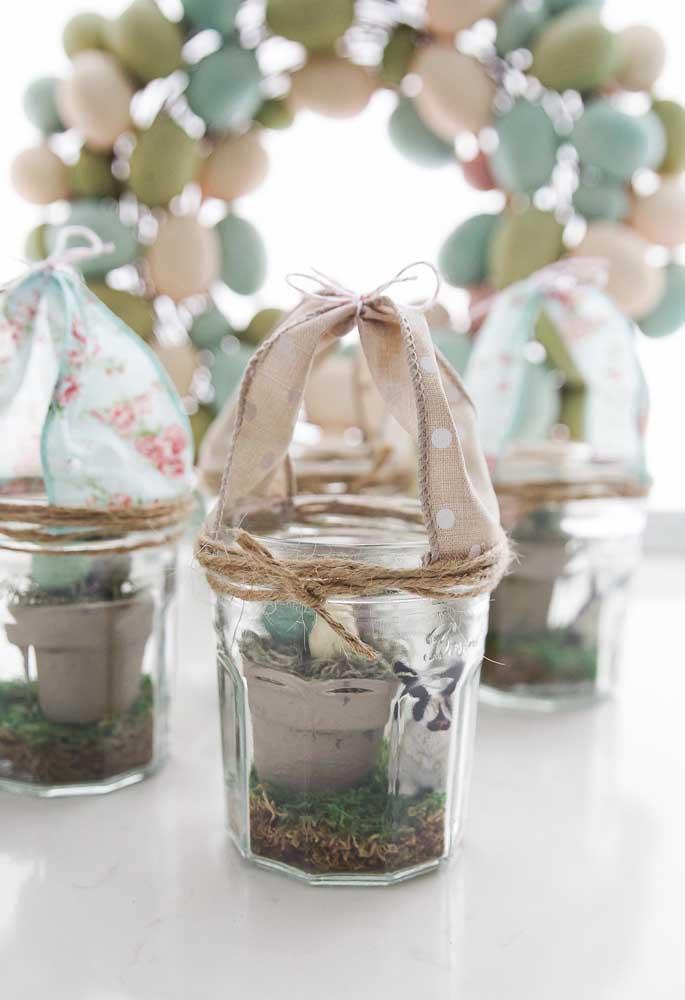 Com materiais simples é possível criar lembrancinhas diferenciadas para presentear os amigos na Páscoa.
