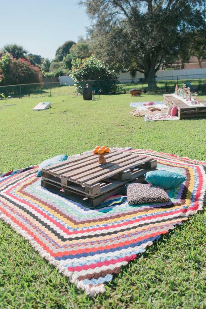 Já nessa outra festa, os pallets foram usados na forma original