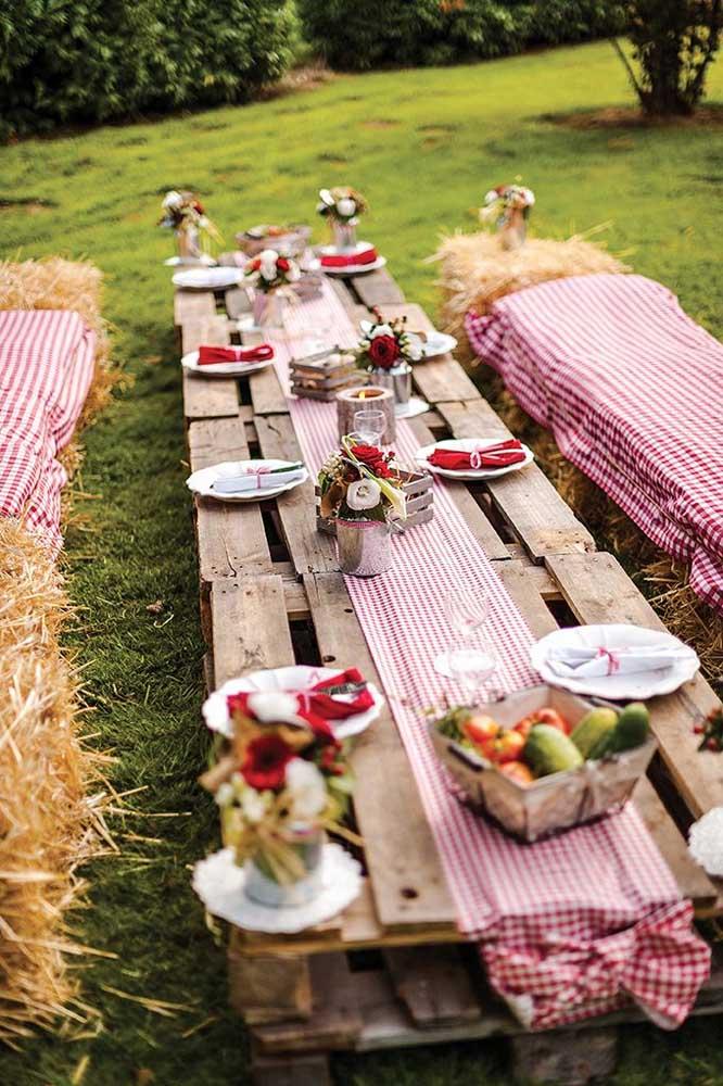 Festa rústica com mesa de pallet: combinação perfeita