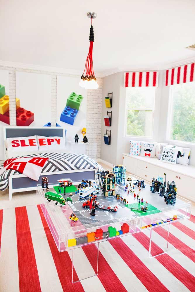 Muita cor nesse quarto gamer inspirado no jogo Lego