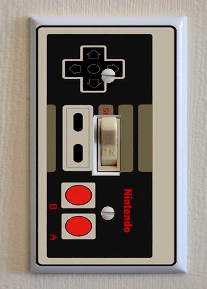 Nesse quarto gamer, o bom e velho Nintendo virou espelho de interruptor