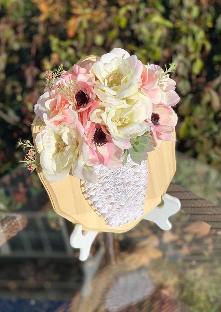 Inspiração delicada de String Art; uma ótima opção para decoração de festas de casamento