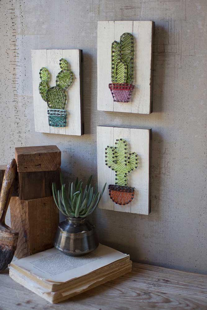 Uma graça esse trio de cactos em String Art; a decoração da casa fica mais legal com eles