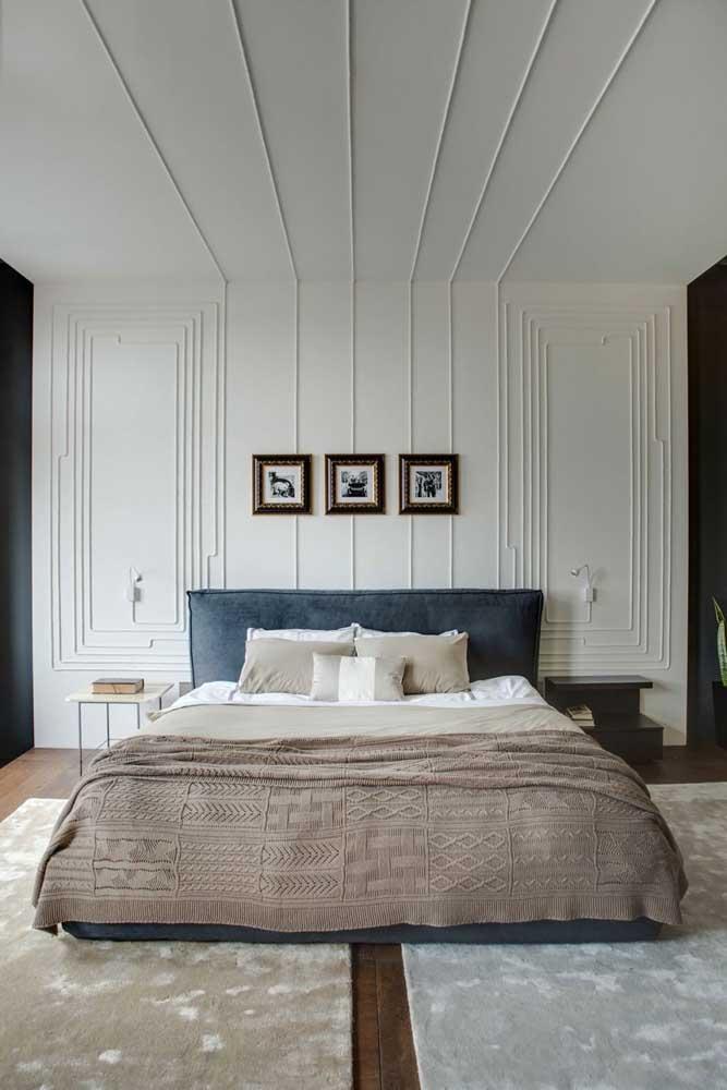 Teto de gesso para o quarto; repare que o design foi levado para as paredes do ambiente também