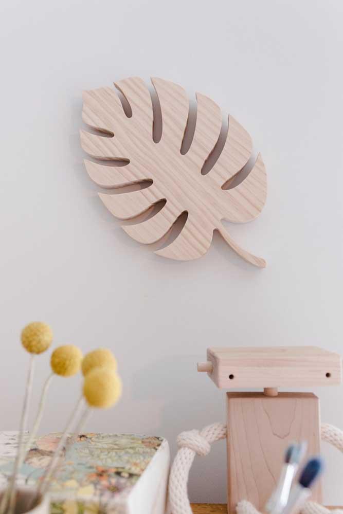 Quadro de madeira crua em formato de Costela de Adão para decorar a parede