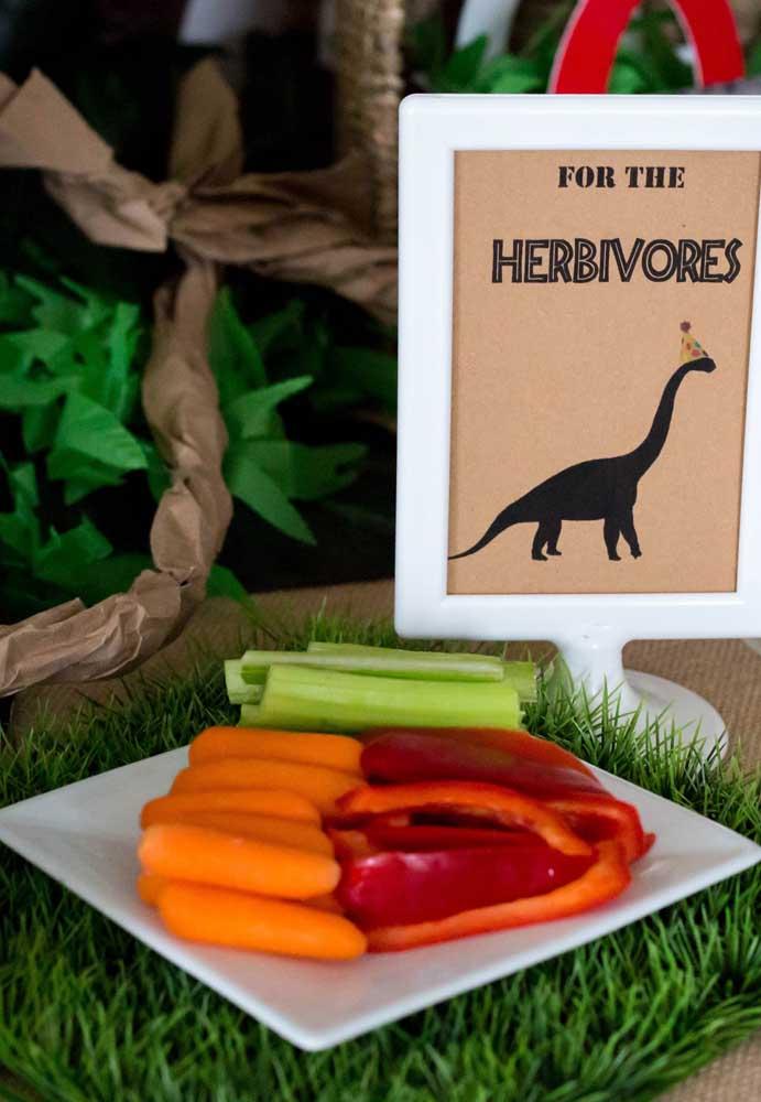 Identifique cada comidinha da festa de acordo com o universo dos dinossauros. Pode ter certeza de que tudo vai ficar mais divertido.