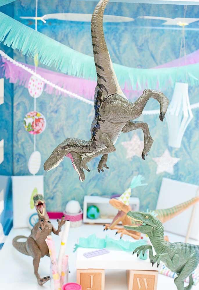 Que tal fazer um cenário inspirado nos filmes mais famosos de dinossauros?