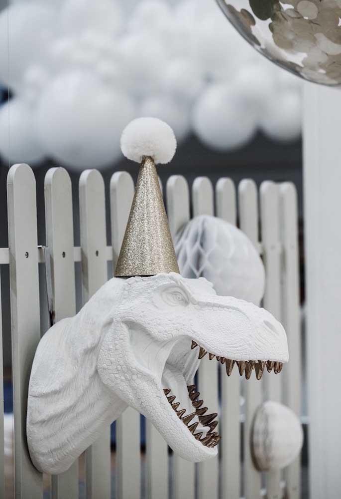Olha que peça fantástica para decorar a sua festa tema dinossauro no estilo de inverno.
