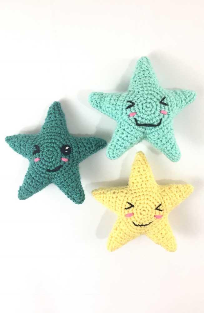 A estrela é uma das opções mais fáceis para quem deseja aprender a fazer amigurumi.