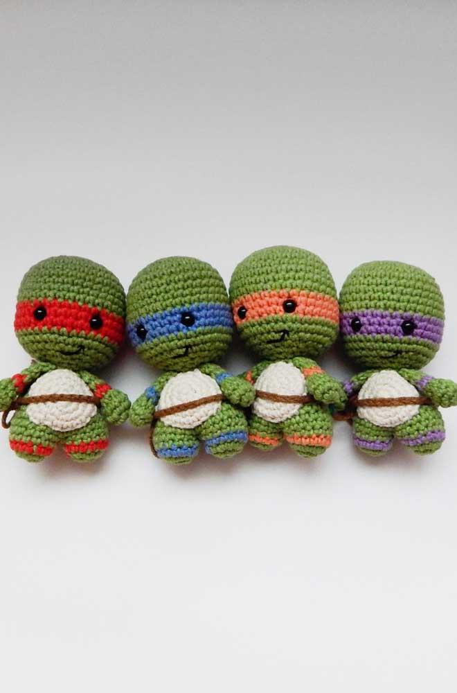 Que tal fazer a turma completa das tartarugas ninjas com amigurumi? Fica ainda mais bonitinho se você juntar todos eles.