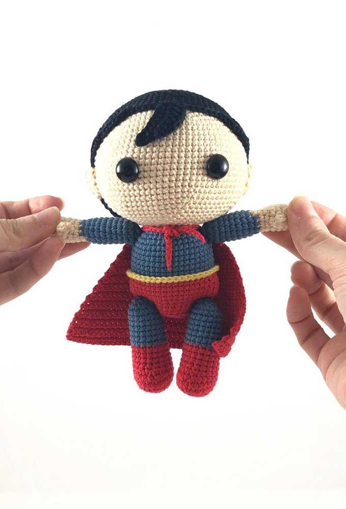 Que tal presentear a criançada com o super-herói que eles mais gostam? O super-homem deve ser um dos mais pedidos.