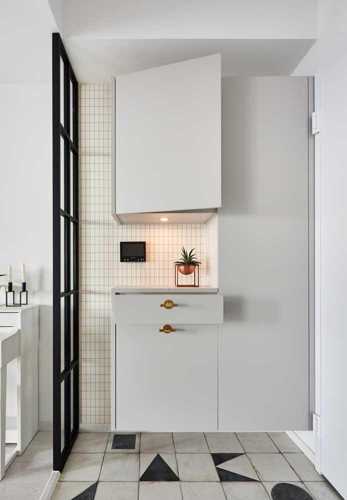 Cor branco pode ser usado tanto nos revestimentos quanto nos móveis.