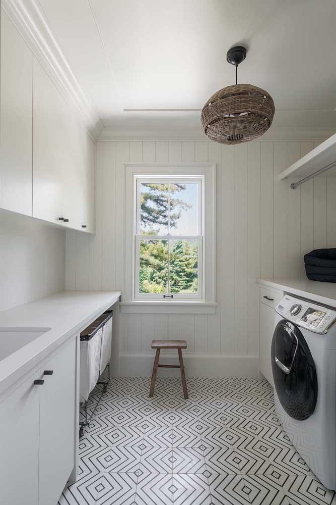 Que tal fazer uma cozinha planejada branca?