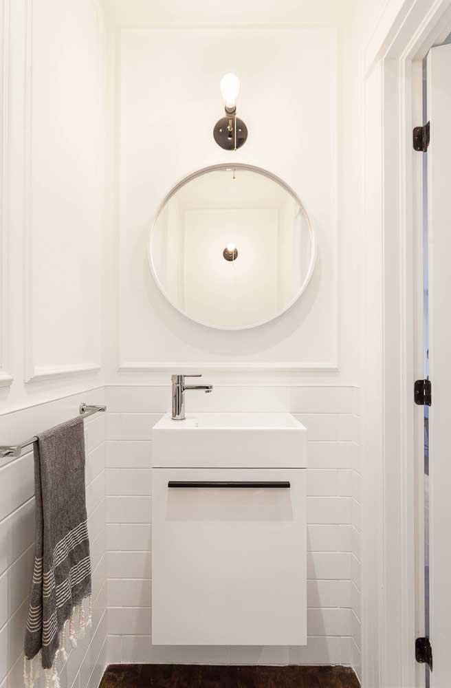 A cor branca é uma das mais usadas na decoração do banheiro. Quando você vê o resultado, entende o motivo.
