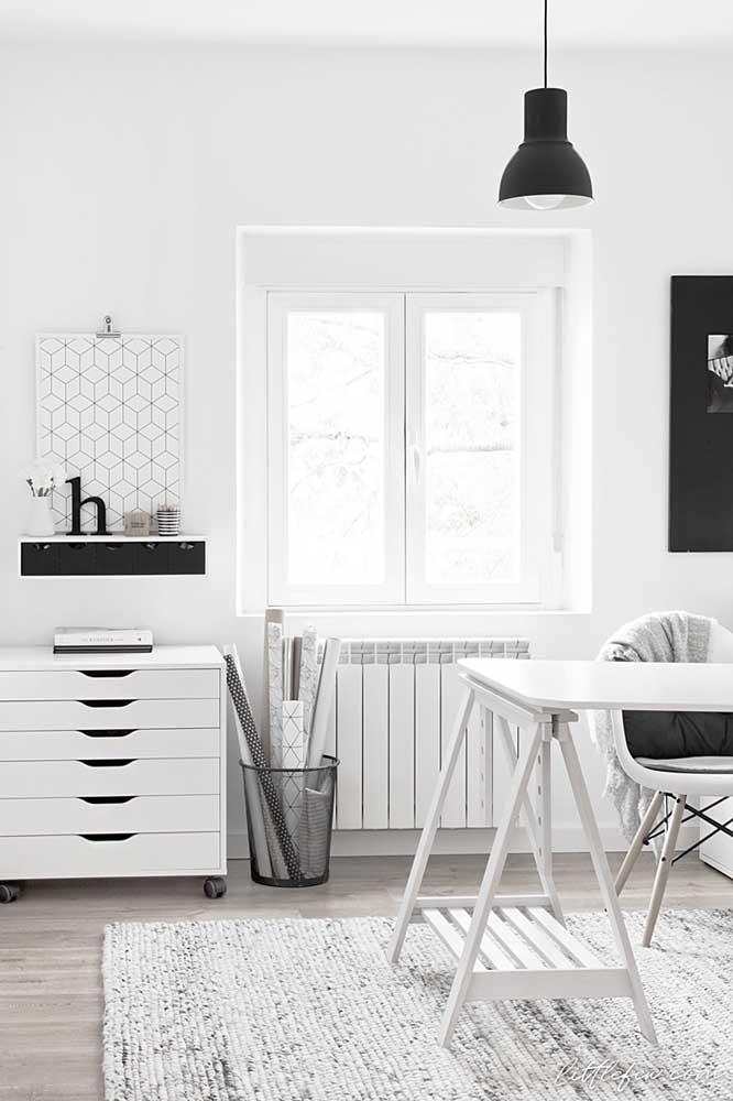 Existe combinação mais perfeita do que as cores preta e branca?