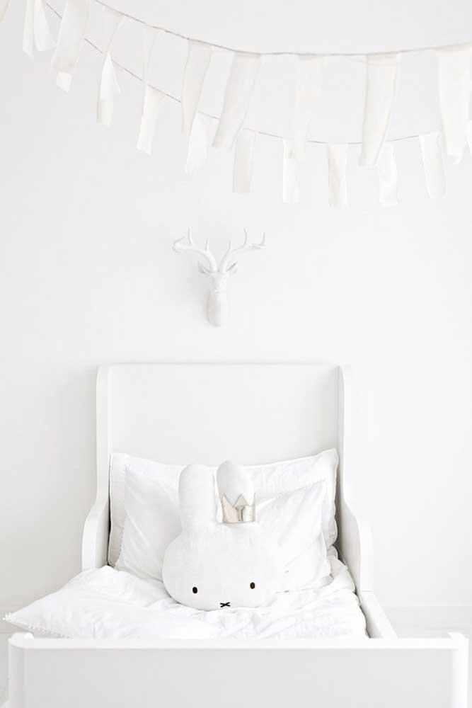 Seu bebê merece um ambiente tranquilo. Portanto, invista na decoração totalmente branca.